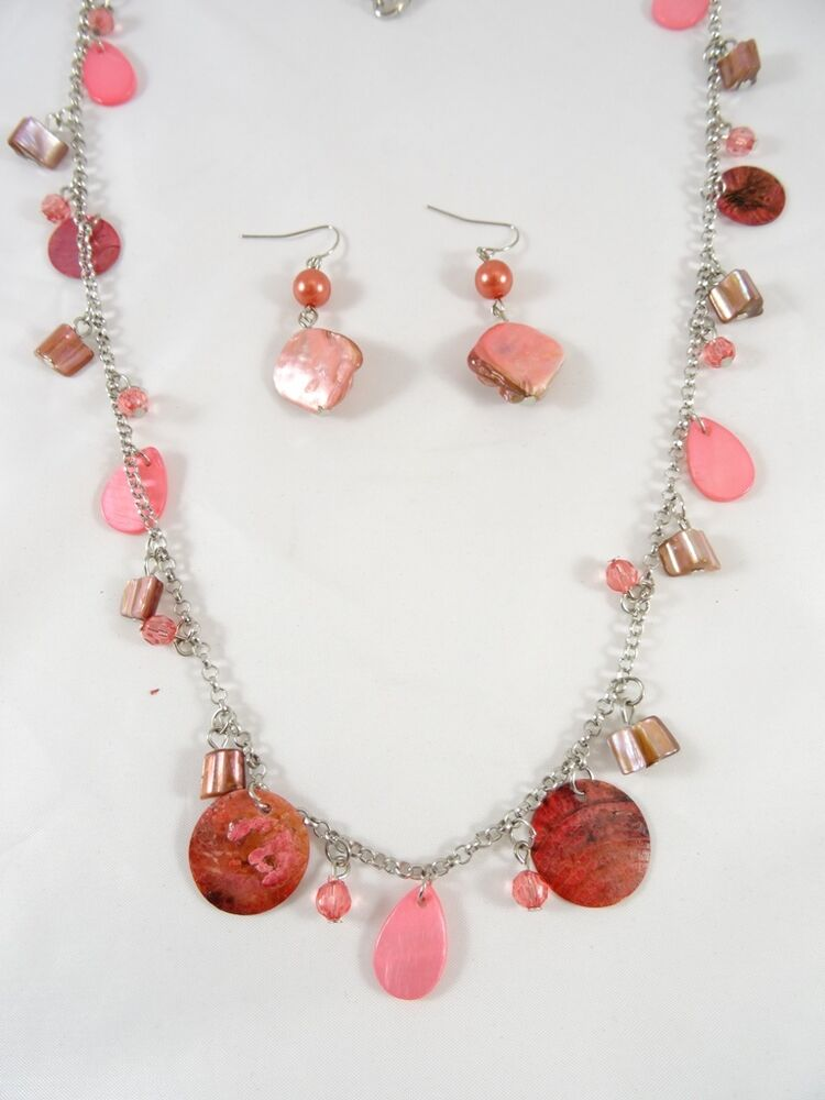 Coral colored necklaces : New quot necklace with coral colored shell discs matching