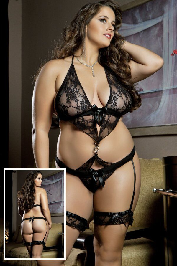 Choosing the right plus size lingerie is an important decision that will affect your daily outfits, because the insight will always reflect the outside. At the time to buy them you should go for the styles that make you feel comfortable, sexy and feminine; but at the same time provided you good covering, support and fit.