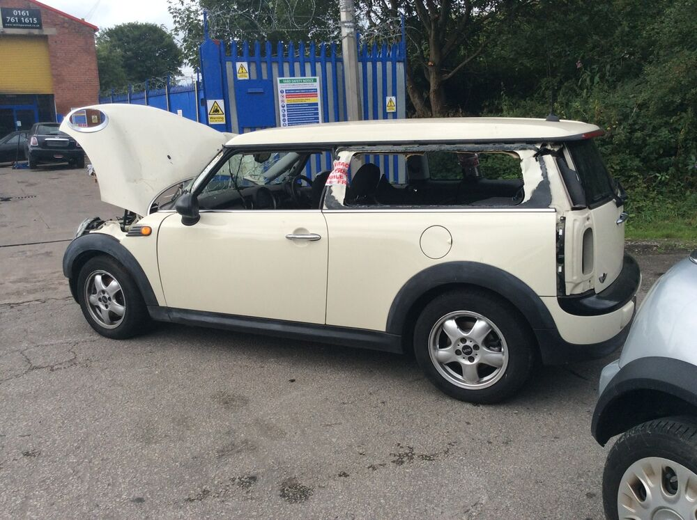 bmw mini clubman r55 aerial base breaking for spares ebay. Black Bedroom Furniture Sets. Home Design Ideas