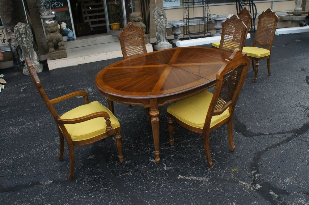 Drexel heritage distressed dinette set table 6 rattan for Dining room tables 1940s
