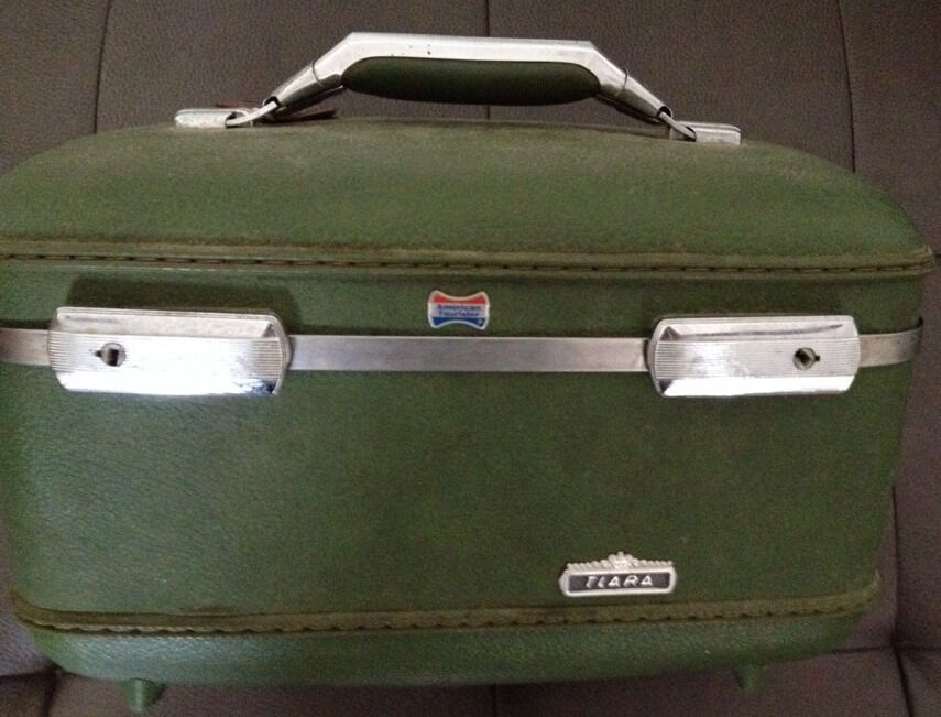 Vintage Retro Green Travel Makeup Case American Tourister