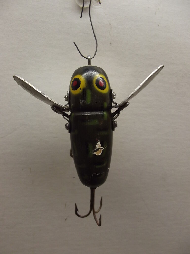 Vintage heddon crazy crawler fishing lure ebay for Fishing lure collection