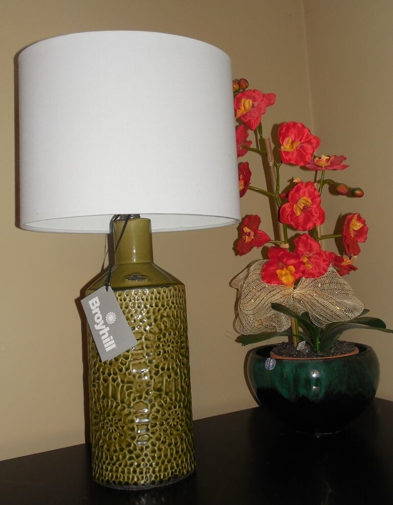 Green Floral Lamp Shade : Broyhill deep green rustic floral emboss ceramic bottle