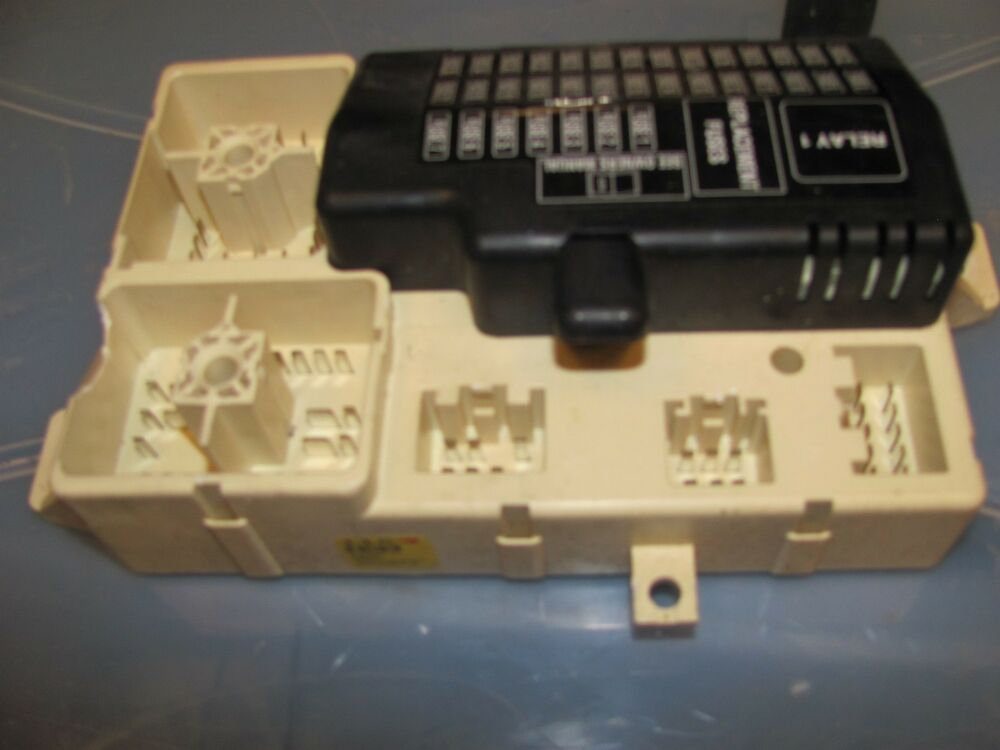 2003 04 05 2006 lincoln ls front fuse relay box 3w4t fuse box location lincoln ls 2000 fuse box on 2001 lincoln ls