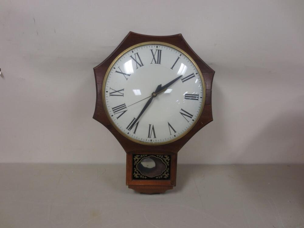 Vintage United Clock Corp Model 597 Wall Clock Great
