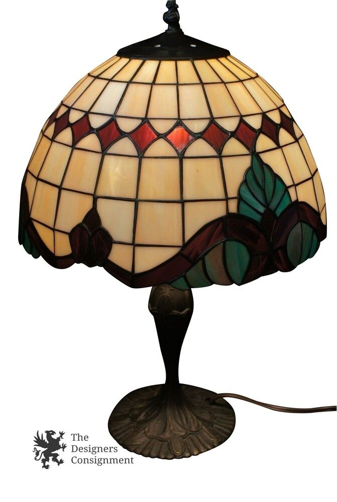 vintage tiffany style stained glass boudoir table lamp bronze base dome shade ebay. Black Bedroom Furniture Sets. Home Design Ideas