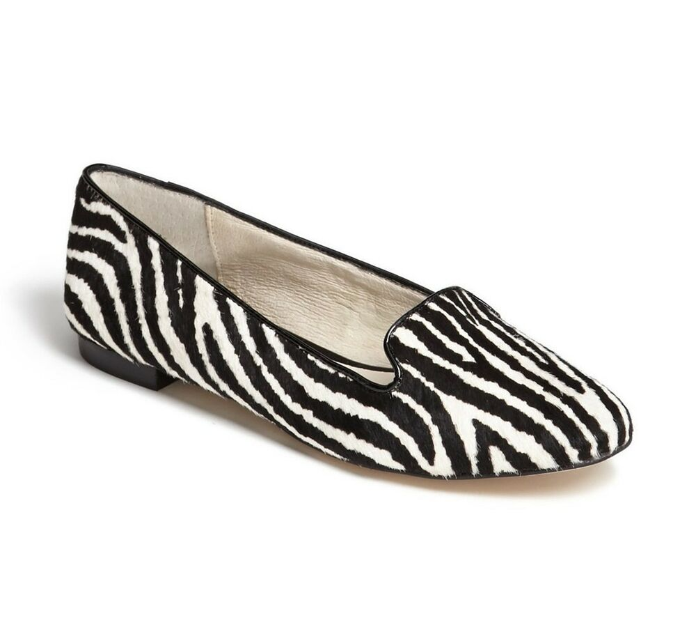 We are totally lovin' the Chinese Laundry Hot Cake Black and White Striped D'Orsay Flats! Black and white striped canvas shapes a pointed toe upper that carries into a D'Orsay silhouette with a black, vegan leather heel cup.5/5(4).