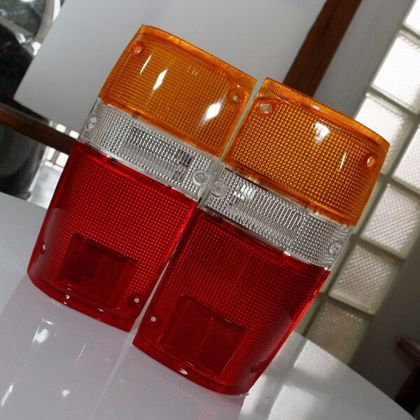 lh rh rear tail light lenses pair for toyota hilux pickup. Black Bedroom Furniture Sets. Home Design Ideas
