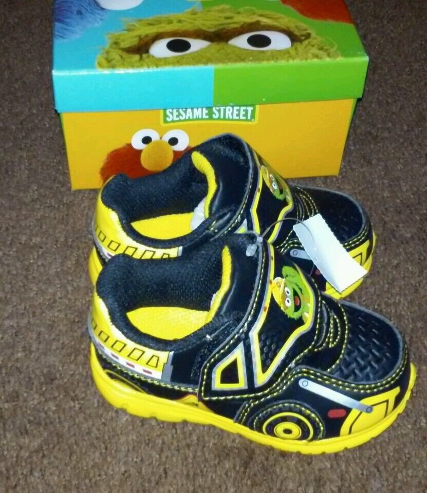 Sesame Street Oscar Garbage truck Toddlers Boys Shoes Size ...