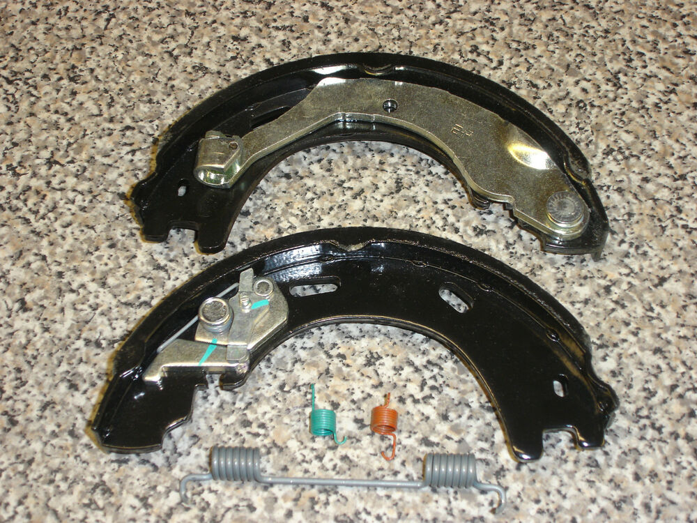 land rover handbrake shoes disco 3 4 rr sport part. Black Bedroom Furniture Sets. Home Design Ideas