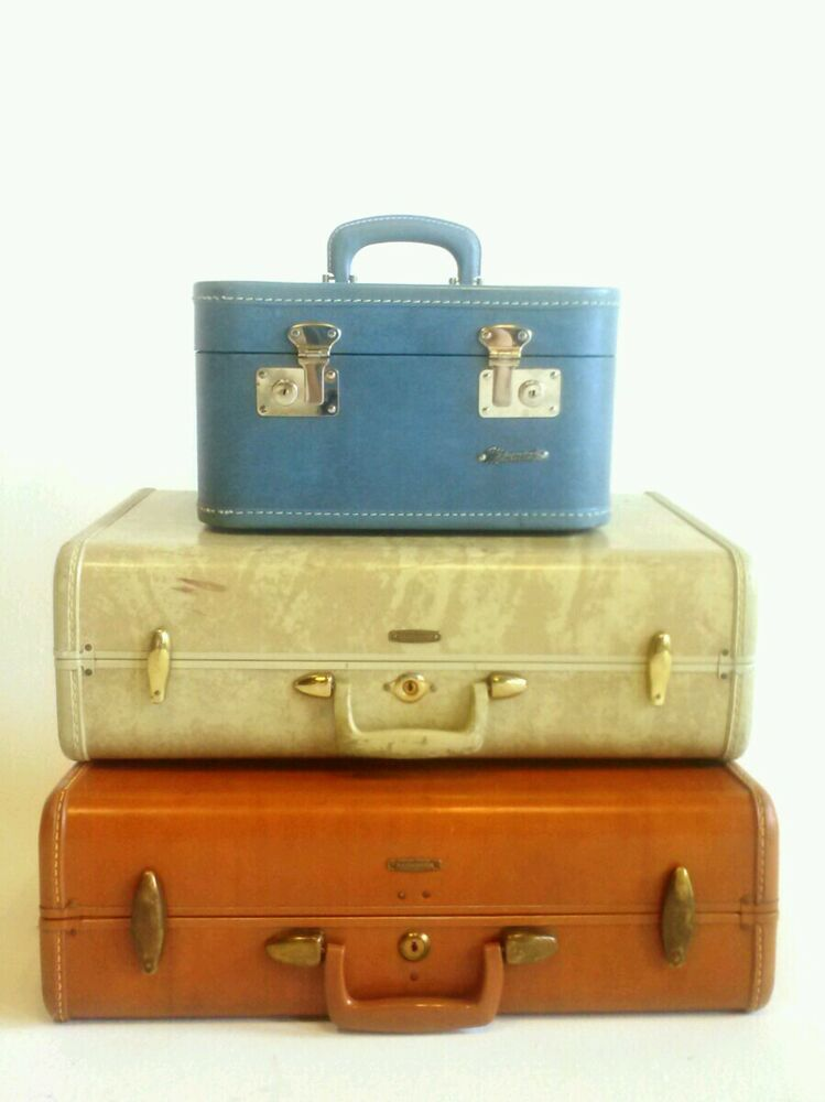 Vintage blue white red samsonite streamlite makeup train - Vintage suitcase ...