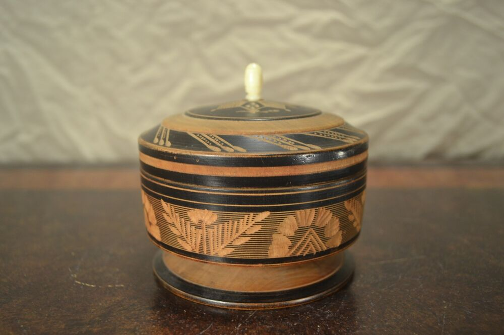 beautiful small round turned carved wooden trinket box w knob lid black ebay. Black Bedroom Furniture Sets. Home Design Ideas