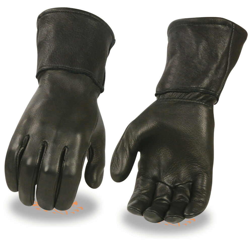 Select exceptional durability with leather gloves and long leather gloves from Cabela's that are ideal for shooting all day in comfort and keeping a secure grip on your firearms.