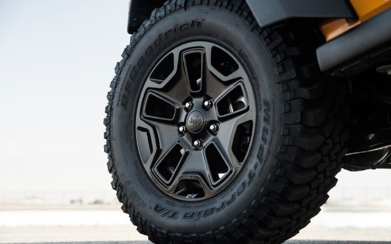 Willys Jeep For Sale >> Jeep Wrangler Willys Wheel Touch Up Paint BLACK CRYSTAL code DX8 | eBay
