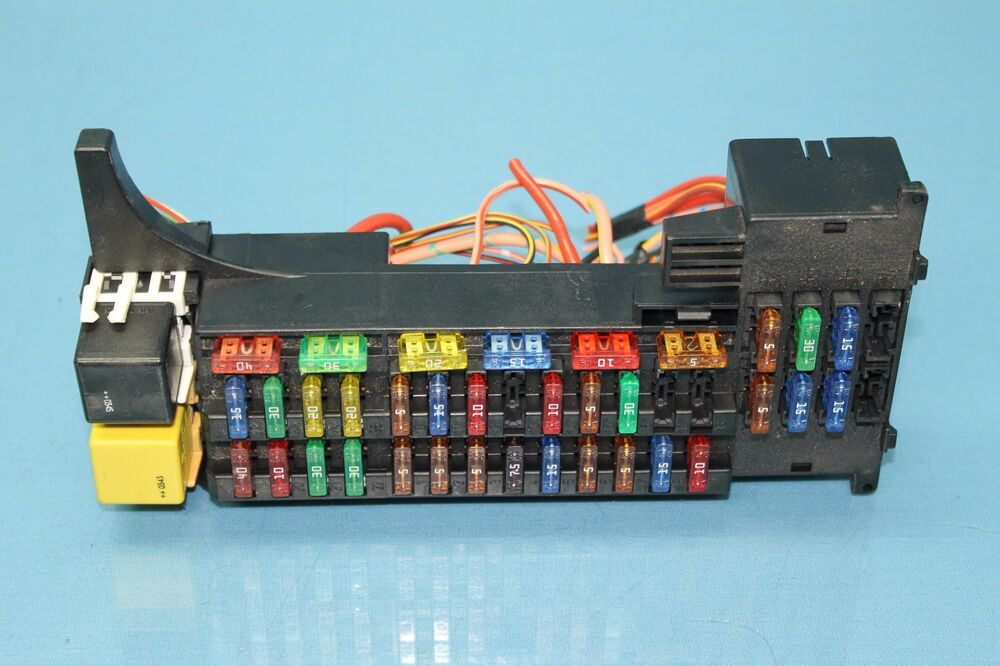 2004 CHRYSLER CROSSFIRE #2 FRONT LEFT FUSE RELAY MODULE ...