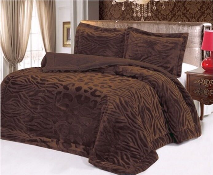 Down Alternative Super Soft Plush Comforter Blanket And