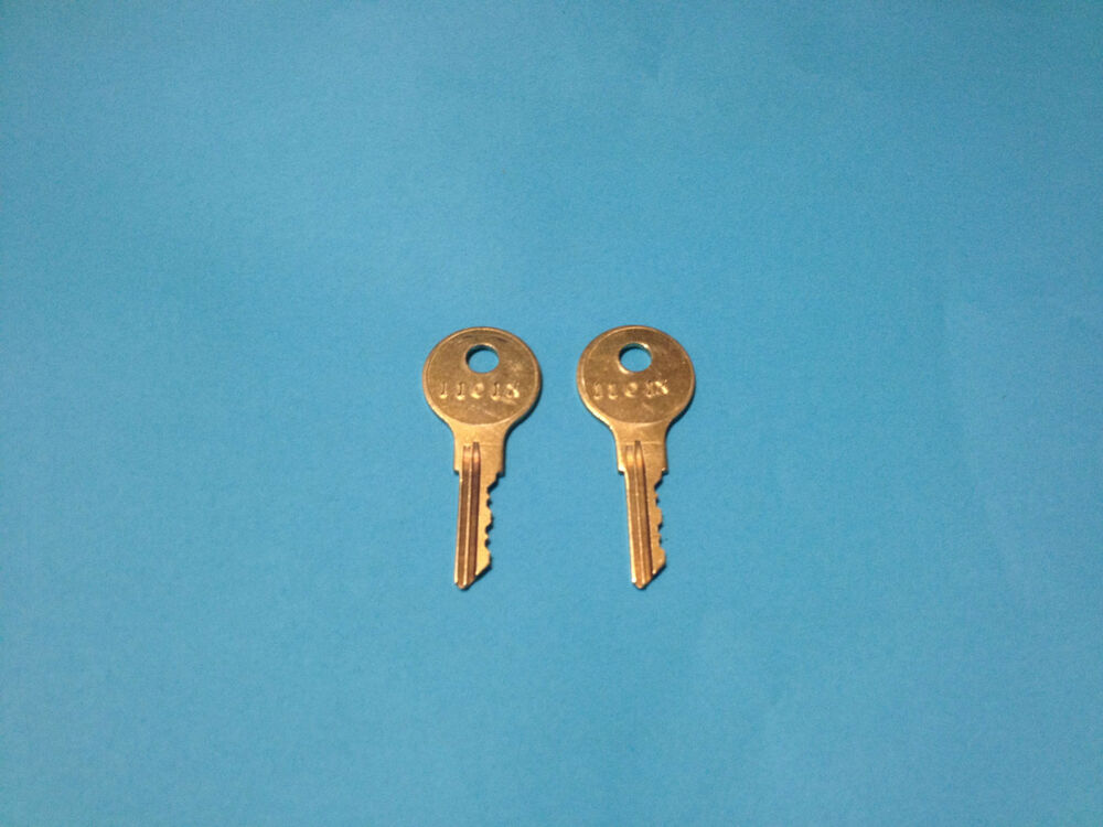 2 1965 To 1997 Coleman Fleetwood Entrance Keys 1101x Step