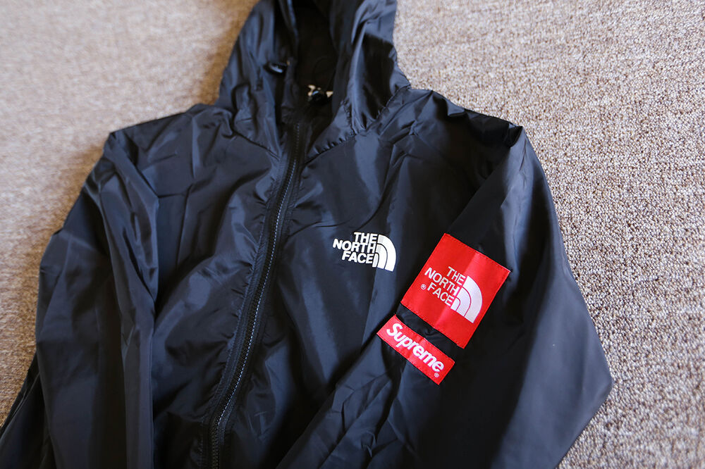 comprar north face x supreme