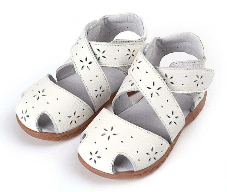 Help your little boy or girl stay in-style while you stay on budget by shopping toddler shoes at Old Navy. Shoes for Little Girls and Boys. Kids are always running, climbing and jumping, so they need shoes .