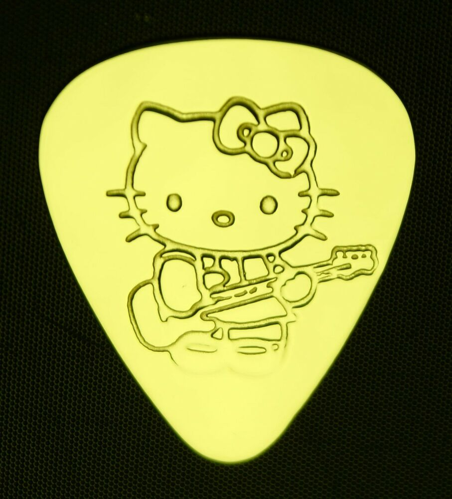hello kitty guitar solid brass guitar pick acoustic electric bass ebay. Black Bedroom Furniture Sets. Home Design Ideas