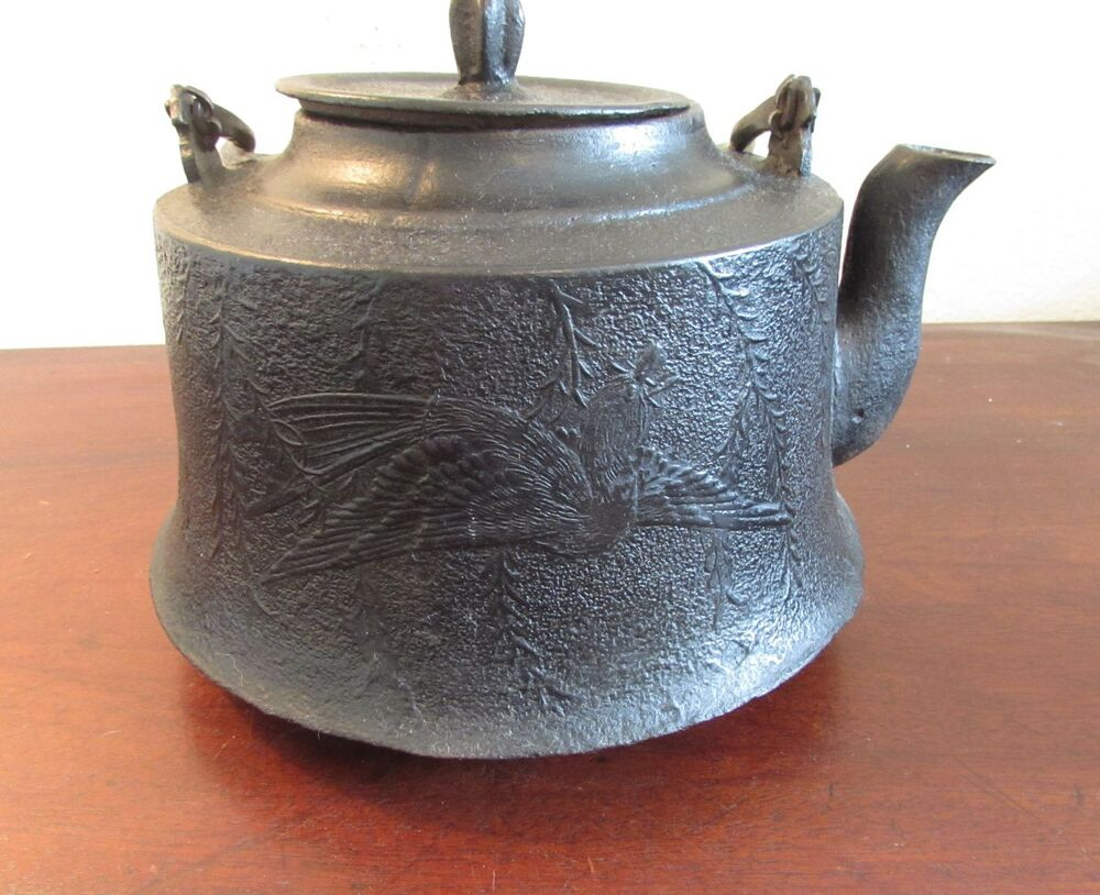 Antique Cast Iron ~ Antique japanese tetsubin cast iron kettle teapot with
