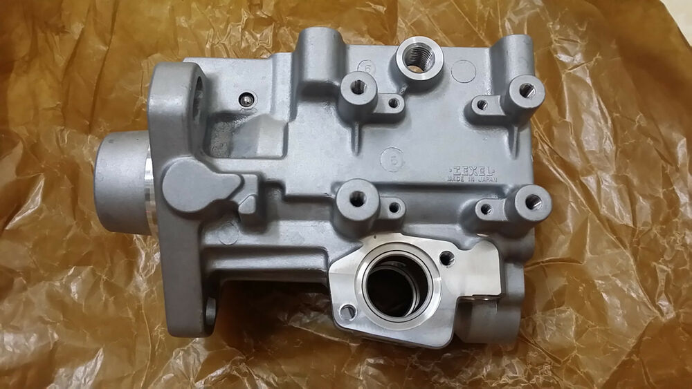 fuel injection pump housing for mitsubishi pajero 3 2 l di. Black Bedroom Furniture Sets. Home Design Ideas