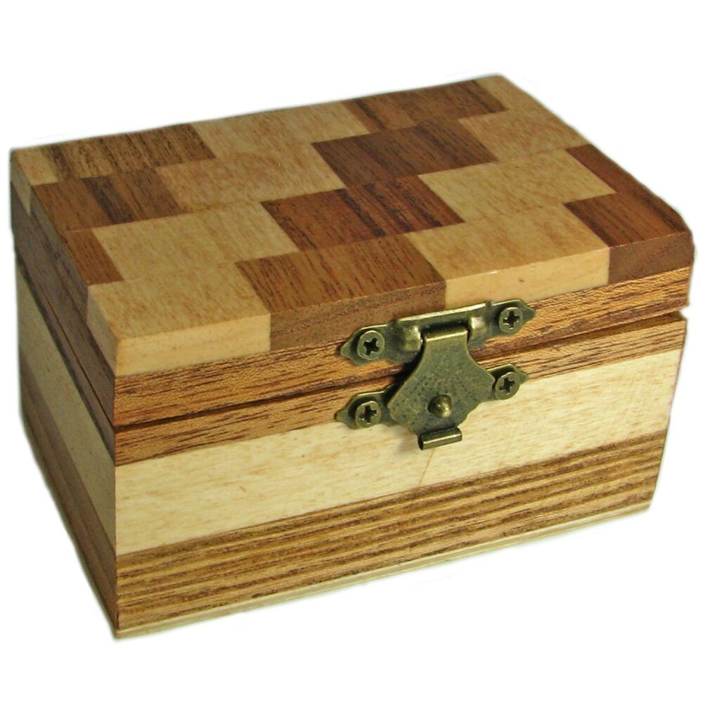 Decorative Trunk Boxes: Decorative Small Wood Trinket Box With Checkerbox Pattern