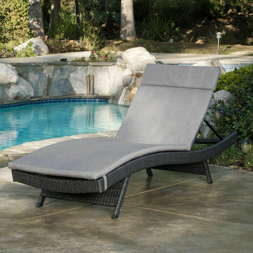 Nassau Outdoor Grey Wicker Adjustable Chaise Lounge With