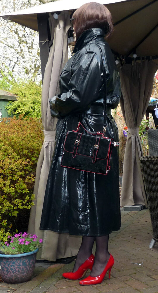 Lolly's 2nd shiny black rubber mackintosh raincoat trench ...