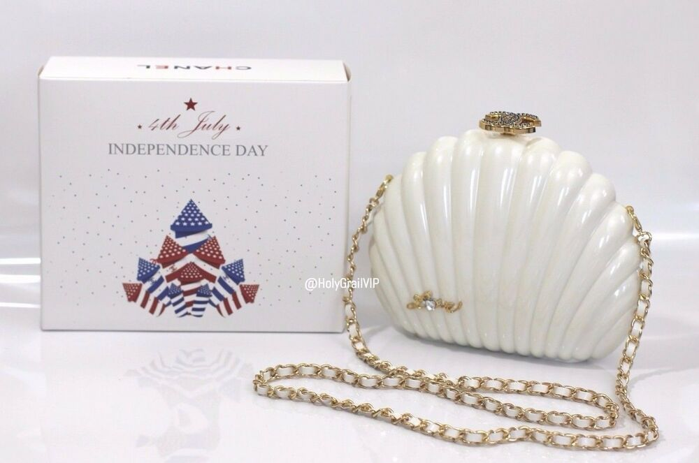 9ade207c5e5d Details about Chanel VIP Limited Fourth of July VIP Gift White Clam Shell  Pearl Bag / Clutch