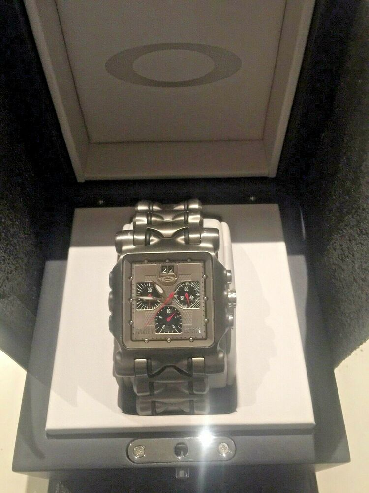 16ad1232807 Details about OAKLEY MINUTE MACHINE TITANIUM WATCH IN MINT CONDITION-VERY  RARE