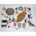 Victorian/Vintage/Art Deco Jewelry Lot Wear and to Repair Pins Locket Swan Ring