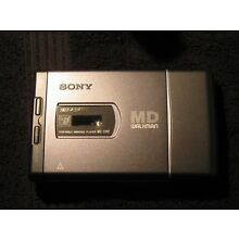 NEW NEVER USEDSony MD Portable Mini Disc Walkman Player MZ E40with Soft Case