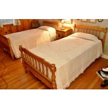 Pair of Twin honey maple bed Frames by Pennsylvania House LOCAL PICKUP ONLY