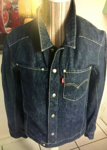 LEVIS ENGINEERED  VESTE TRUCKER EN JEAN HOMME  TAILLE SMALL OU POUR GRAND ADO