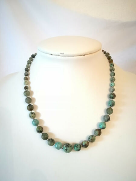 COLLIER EN TURQUOISES AFRICAINES