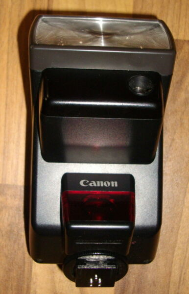 Canon Speedlite 300EZ with original soft case, tested and working Free postage