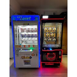 Kyпить Commercial Key Master Toy Redemption Vending Machine Arcade Crane Game  на еВаy.соm