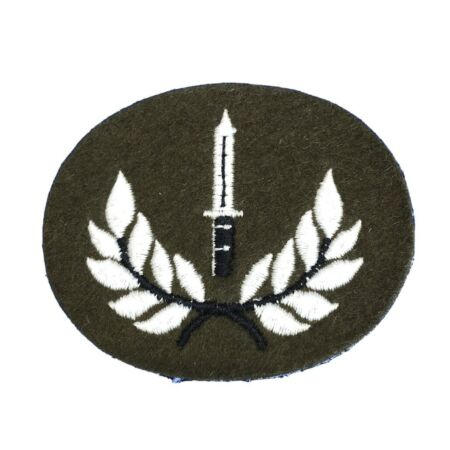 img-Genuine No2 Dress Class 1 Infantry Soldiers Qualification Badge Trade Badge New