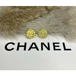 Kyпить (2) Chanel Buttons Hammered Gold Stamped Button Lot на еВаy.соm