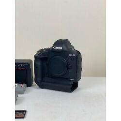 Kyпить canon 1dx mark ii Kit. 4 Batteries, Memory Cards, Charger, and Card Reader! на еВаy.соm