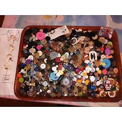 Kyпить Huge Lot - 4lbs 3oz Assorted Buttons and Button Covers-Metal Plastic Fabric... на еВаy.соm