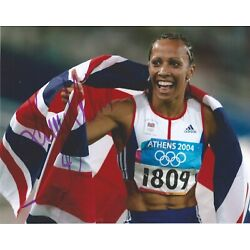 Dame Kelly Holmes - Signed 10x8 Image - Olympics
