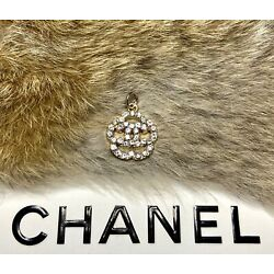 Kyпить Chanel Gold CC Logo Stamped Button 20mm Metal Zipper Pull With Crystals на еВаy.соm