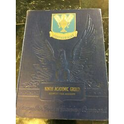 Kyпить 1944 Ninth Group Air Force Training Yearbook Gulfport, Mississippi на еВаy.соm