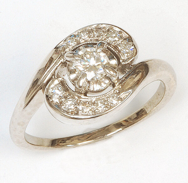 14k white gold Diamond Ring Vintage Great price