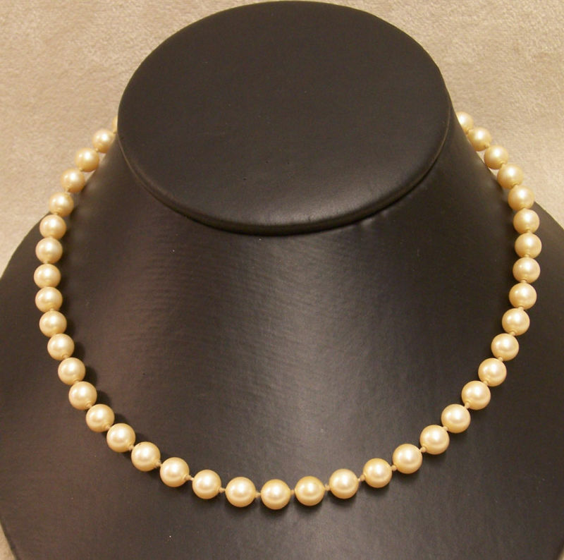 "Vintage Pearl Choker Necklace: VINTAGE FAUX PEARL NECKLACE 24"" CREAM PEARLS JL 182"