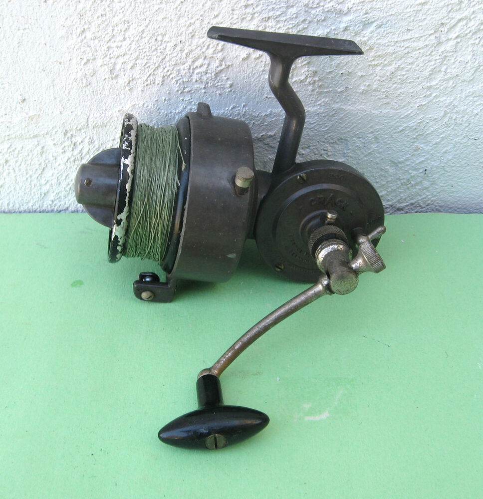 Vintage crack 300 luxor spinning reel ebay for Antique fishing reels