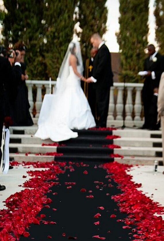 black 100 ft aisle event runner puncture resistant wedding