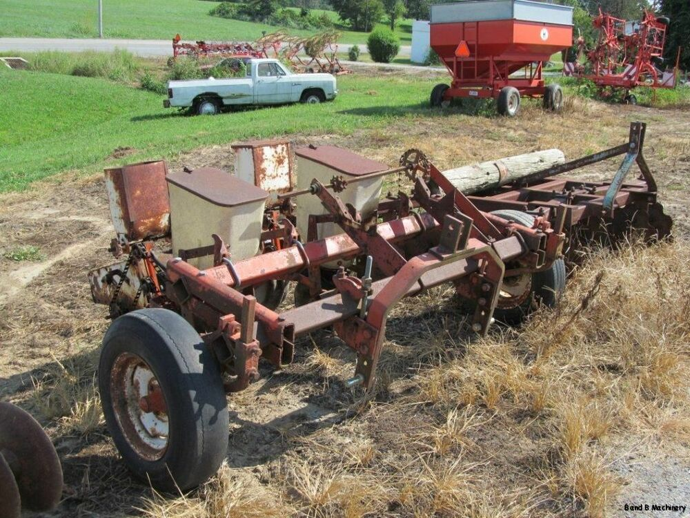 Allis Chalmers 2 Row Cultivator – Billy Knight